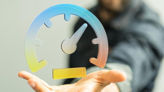 CMD-Benchmark auf SSD ansetzen ©Fotolia--vege-speedometer