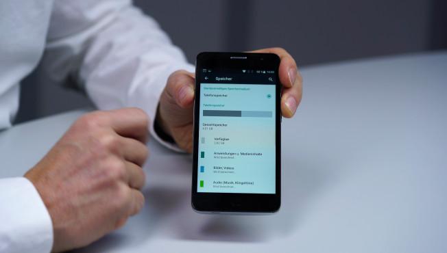 Alcatel Pop Star im Test: Smartphone für 80 Euro bei Aldi Achtung, Speichermangel: Ab Werk sind von den verbauten 8 GB Speicher nur noch rund 2,5 Gigabyte frei.©COMPUTER BILD