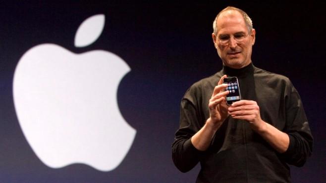 Steve Jobs zeigt das iPhone 1©dpa-Bildfunk