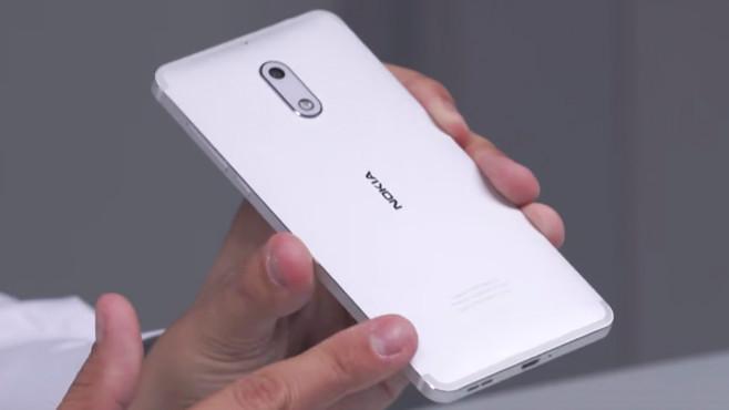 Nokia 6: Rückseitenform©COMPUTER BILD