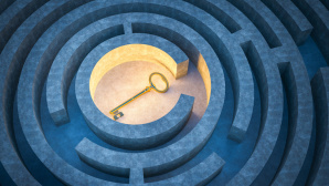 © Fotolia--trahko-ey in the center of a maze