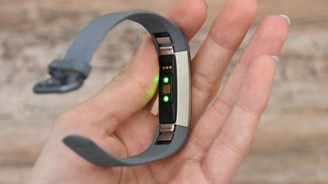 Fitbit Alta HR: Update mit Herzfrequenzmessung Fitbit setzt auch in der neuen Generation auf eine große Auswahl an Armbändern.©Fitbit