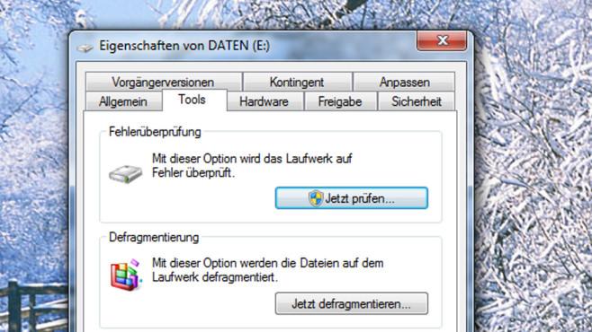 Laufwerk-Eigenschaften: Fehlercheck und Defrag ©COMPUTER BILD