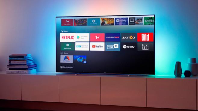 Neue Philips Fernseher: Diese Modelle lohnen sich am meisten Der Philips 65OLED873 gehört mit seinem 164 Zentimeter großen OLED-Bildschirm zu den attraktivesten neuen Philips-Fernsehern.©COMPUTER BILD, TP Vision