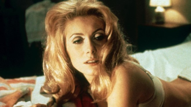 Catherine Deneuve im Bett © Fotos International/gettyimages