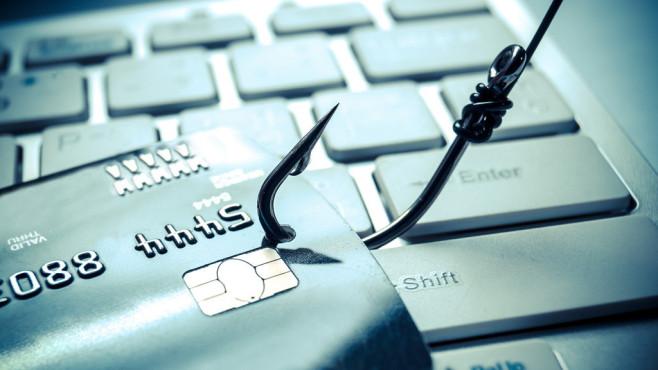 Phishing durch gefälschte Internet-Adressen©weerapat1003-Fotoia.com
