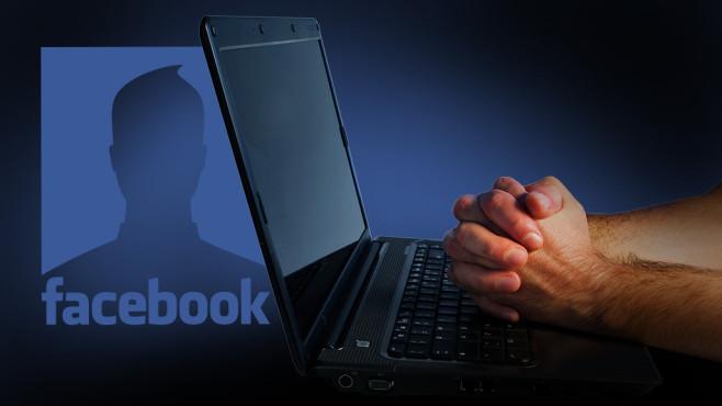 Facebook©Facebook, Robbic - Fotolia.com