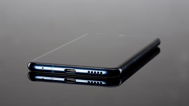 LG V30: USB-Typ-C-Buchse©COMPUTER BILD