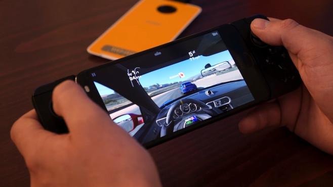 Motorola Z2 Force: Smartphone©COMPUTER BILD