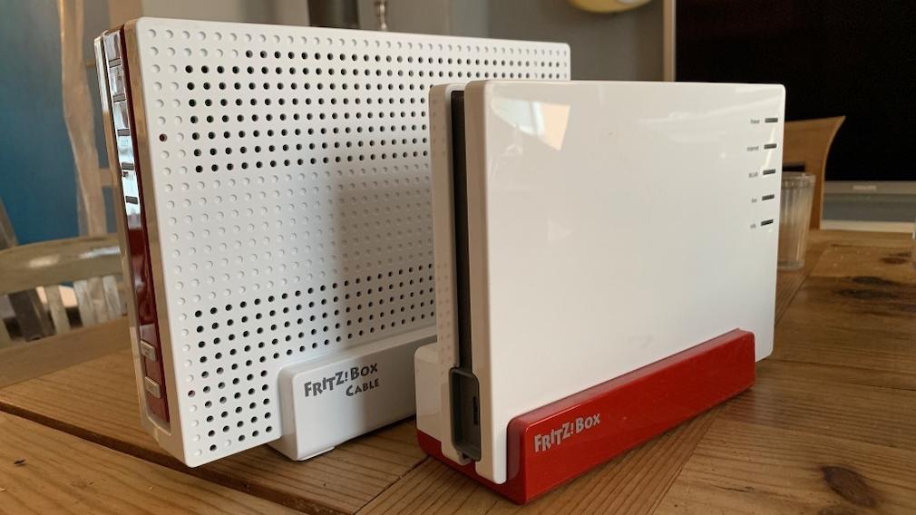 AVM FritzBox 6591 Cable im Praxis-Test: FritzBox für den Kabelanschluss mit DOCSIS 3.1 Größenvergleich: Links die FritzBox 6591 Cable, rechts die FritzBox 7580.