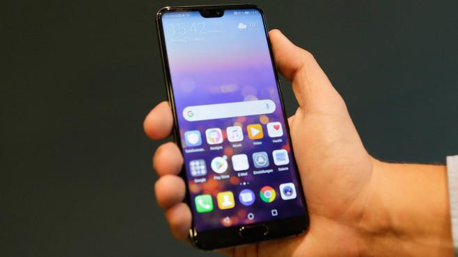 Huawei P20: Test, News, Preis, Release, vorbestellen – alle Infos! Das Huawei P20 hat ein 5,8 Zoll großes Display. Anders als das P20 Pro, nutzt das normale Modell einen helleren LCD.©COMPUTER BILD