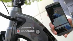 Handy und Fahrrad©Vodafon
