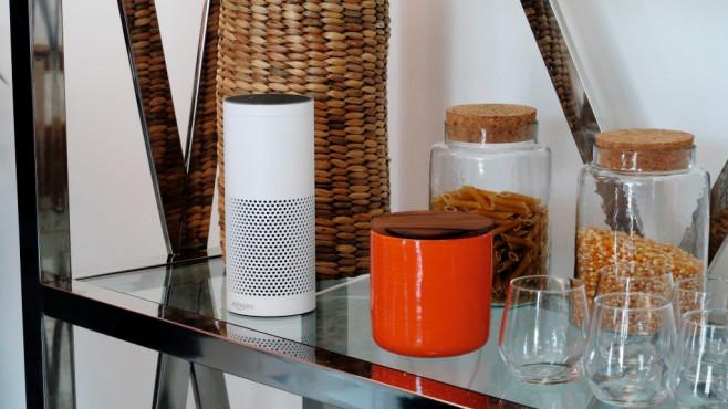 Google Home vs. Amazon Echo im Duell: Wer darf einziehen? XXX©COMPUTER BILD