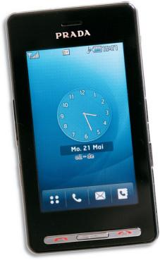 Das Prada-Handy LG KE850 Die Bedienung über den Touchscreen klappte im Test ohne Problem, leider erkennt das Handy schnell eingegebene Zeichen nicht immer zuverlässig.