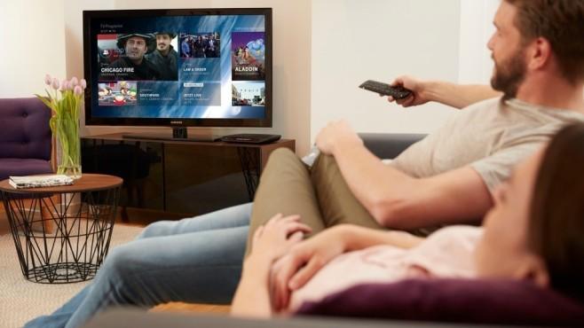 Kunden beim Fernsehschauen©Telekom